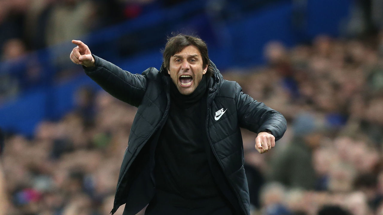 LONDON, ENGLAND - FEBRUARY 20: Chelsea manager Antonio Conte during the UEFA Champions League Round of 16 First Leg match between Chelsea FC and FC Barcelona at Stamford Bridge on February 20, 2018 in London, United Kingdom.