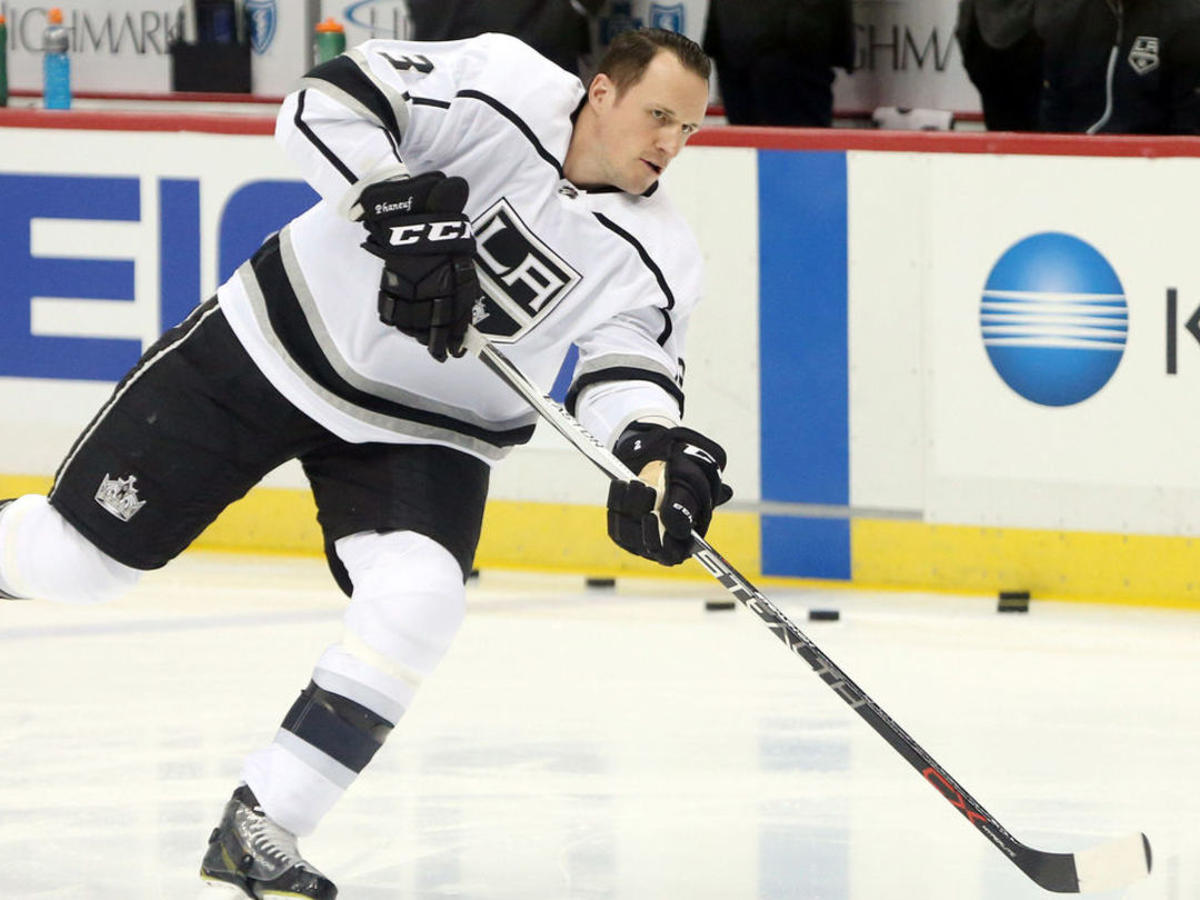 Watch: Phaneuf pots 3rd goal in 4 games with Kings
