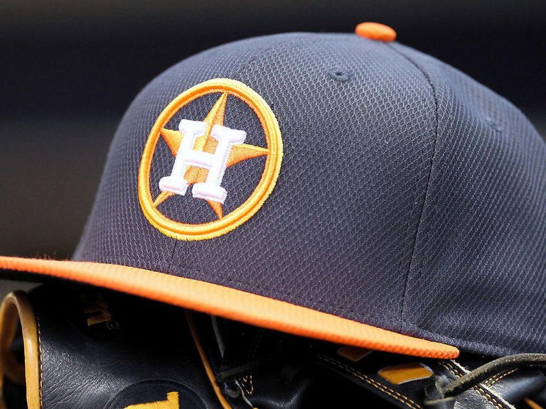 Ballpark security removes fan's anti-Astros sign