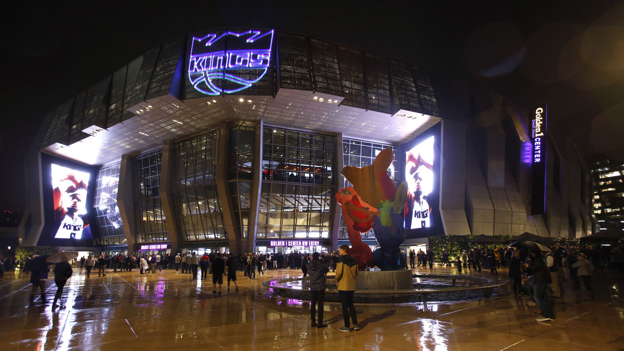 SACRAMENTO, CA - OCTOBER 27: A general exterior view of the arena prior to the game beween the San Antonio Spurs and Sacramento Kings at Golden 1 Center on October 27, 2016 in Sacramento, California. NOTE TO USER: User expressly acknowledges and agrees that, by downloading and or using this photograph, User is consenting to the terms and conditions of the Getty Images Agreement. Mandatory Copyright Notice: Copyright 2016 NBAE