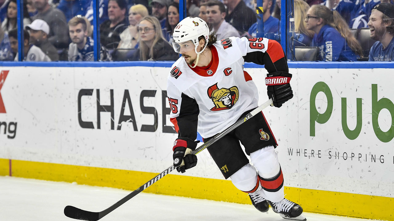 TAMPA, FL - DECEMBER 21: Ottawa Senators defender Erik Karlsson (65) during the third period of an NHL game between the Ottawa Senators and the Tampa Bay Lightning on December 21, 2017 at Amalie Arena in Tampa, FL. The Lightning defeated the Senators 4-3 in a shootout.