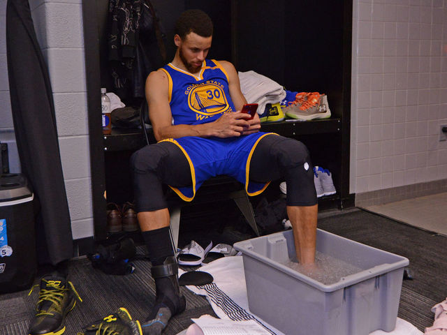SAN ANTONIO, TX - MAY 20: Stephen Curry #30 of the Golden State Warriors ices up in the locker room after Game Three of the Western Conference Finals against the San Antonio Spurs during the 2017 NBA Playoffs on May 20, 2017 at the AT&T Center in San Antonio, Texas. Mandatory Copyright Notice: Copyright 2017 NBAE (Photos by Noah Graham/NBAE via Getty Images)