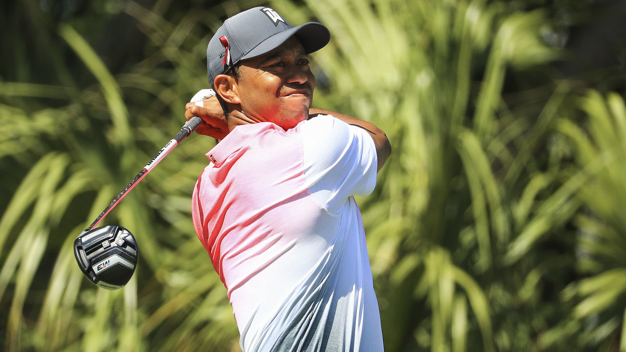 PALM BEACH GARDENS, FL - FEBRUARY 23: Tiger Woods plays his tee shot on the third hole during the second round of the Honda Classic at PGA National Resort and Spa on February 23, 2018 in Palm Beach Gardens, Florida.