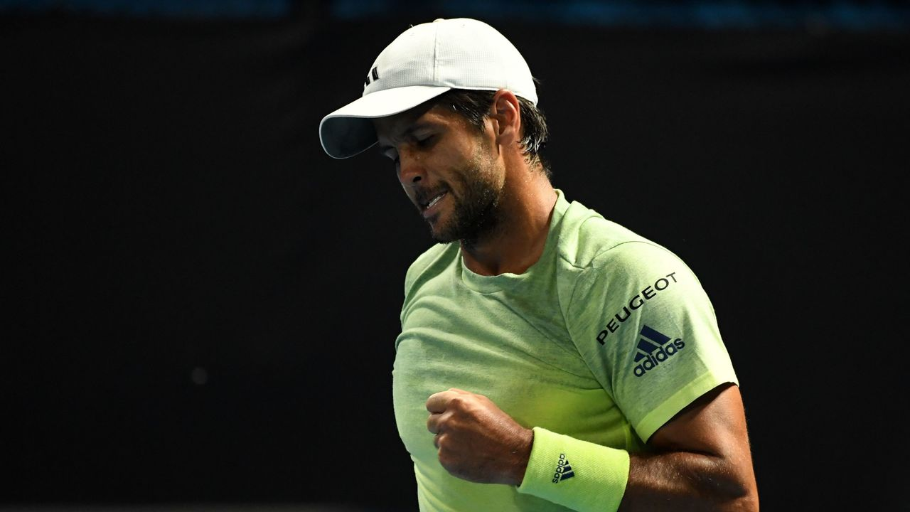 Spain's Fernando Verdasco reacts after a point against Germany's Maximilian Marterer during their men's singles second round match on day four of the Australian Open tennis tournament in Melbourne on January 18, 2018. / AFP PHOTO / WILLIAM WEST / -- IMAGE RESTRICTED TO EDITORIAL USE - STRICTLY NO COMMERCIAL USE --