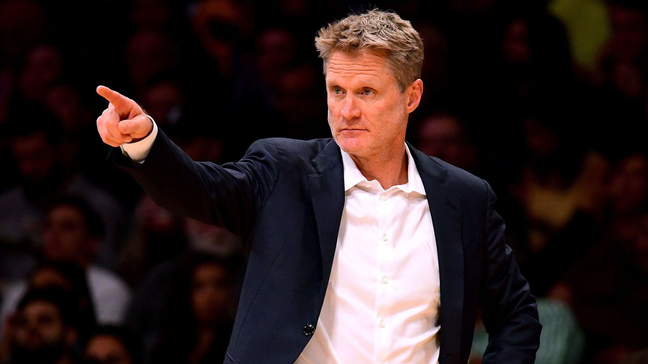 LOS ANGELES, CA - NOVEMBER 29: Steve Kerr of the Golden State Warriors directs his players during the first half against the Los Angeles Lakers at Staples Center on November 29, 2017 in Los Angeles, California.