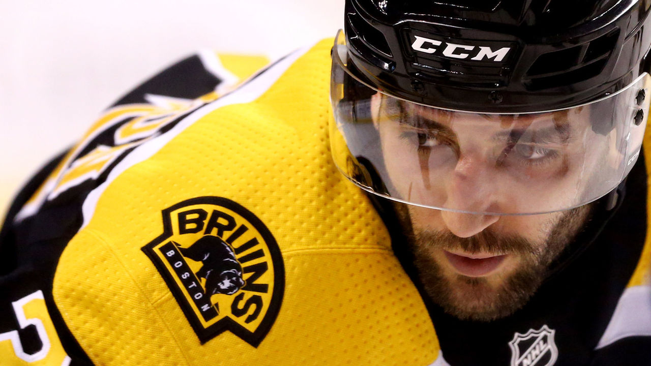 BOSTON, MA - DECEMBER 21: Patrice Bergeron #37 of the Boston Bruins looks on during the first period against the Winnipeg Jets at TD Garden on December 21, 2017 in Boston, Massachusetts.