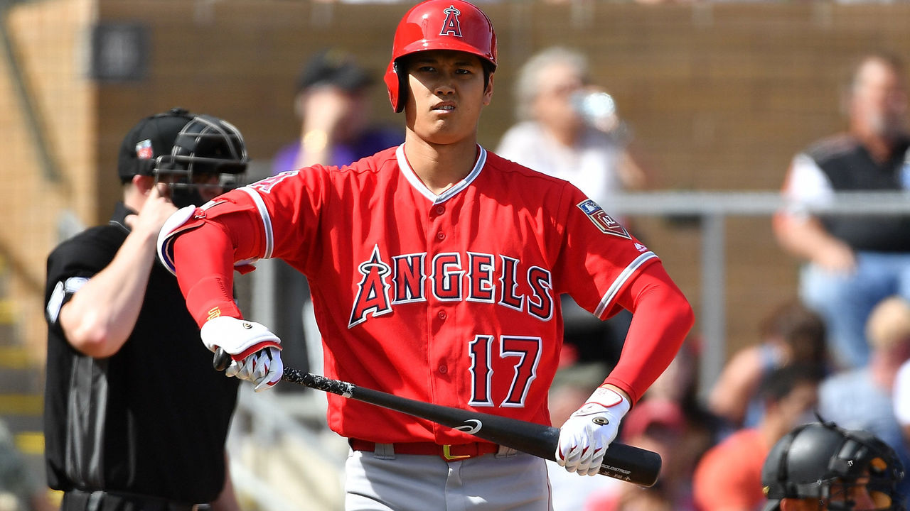 SCOTTSDALE, AZ - MARCH 06: Shohei Ohtani #17 of the Los Angeles Angels reacts while at bat in the fourth inning of the spring training game against the Arizona Diamondbacks at Salt River Fields at Talking Stick on March 6, 2018 in Scottsdale, Arizona.