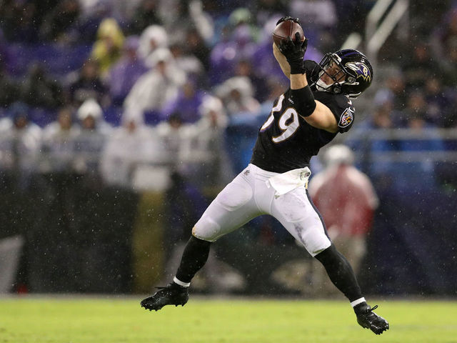 BALTIMORE, MD - DECEMBER 23: Running Back Danny Woodhead #39 of the Baltimore Ravens catches the ball in the fourth quarter against the Indianapolis Colts at M&T Bank Stadium on December 23, 2017 in Baltimore, Maryland.