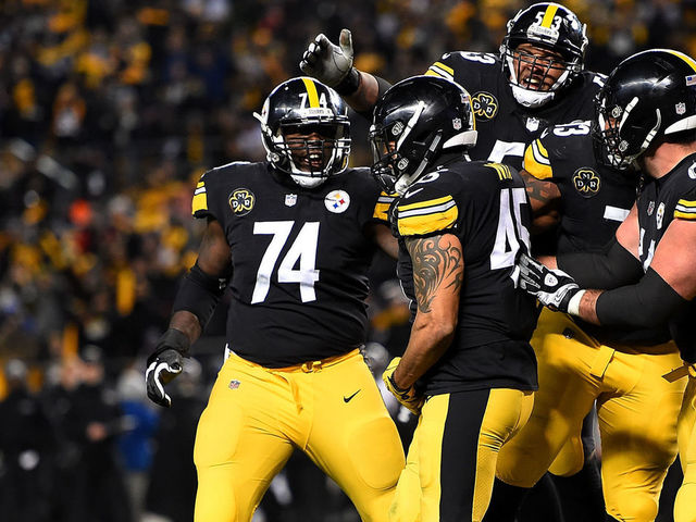 PITTSBURGH, PA - DECEMBER 10: Roosevelt Nix-Jones #45 of the Pittsburgh Steelers celebrates with teammates after a 1 yard touchdown reception in the fourth quarter during the game against the Baltimore Ravens at Heinz Field on December 10, 2017 in Pittsburgh, Pennsylvania.