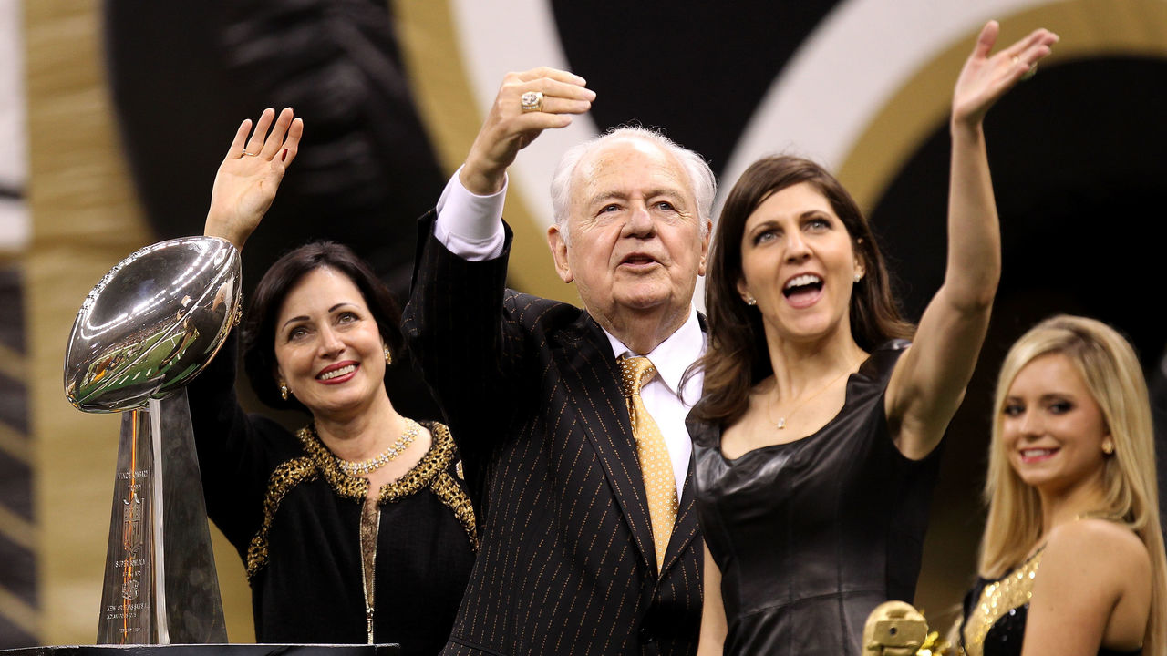 NEW ORLEANS - SEPTEMBER 09: Team Owner of the New Orleans Saints Tom Benson, his wife Gayle and his daughter Rita Benson Leblanc wave to the fans as they ride a float, displaying the VInce Lombardi trophy, out onto the field prior to the Saints playing against the Minnesota Vikings at Louisiana Superdome on September 9, 2010 in New Orleans, Louisiana.
