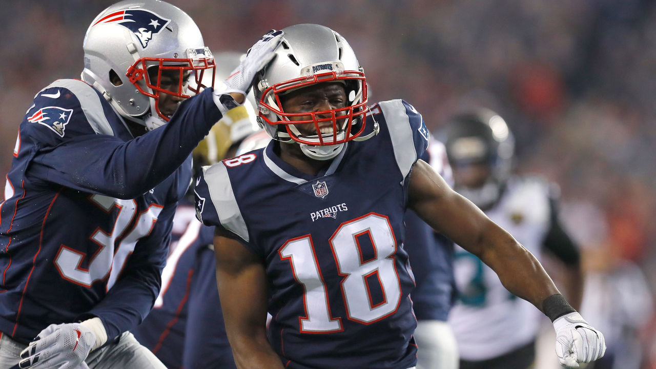 FOXBOROUGH, MA - JANUARY 21: Matthew Slater #18 of the New England Patriots celebrates in the second half during the AFC Championship Game against the Jacksonville Jaguars at Gillette Stadium on January 21, 2018 in Foxborough, Massachusetts.