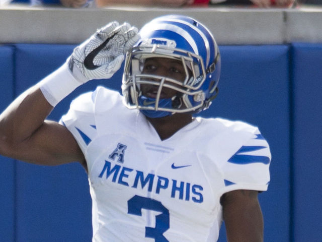 reputable site a0b30 6743f Bears trade up with Patriots to select WR Anthony Miller ...