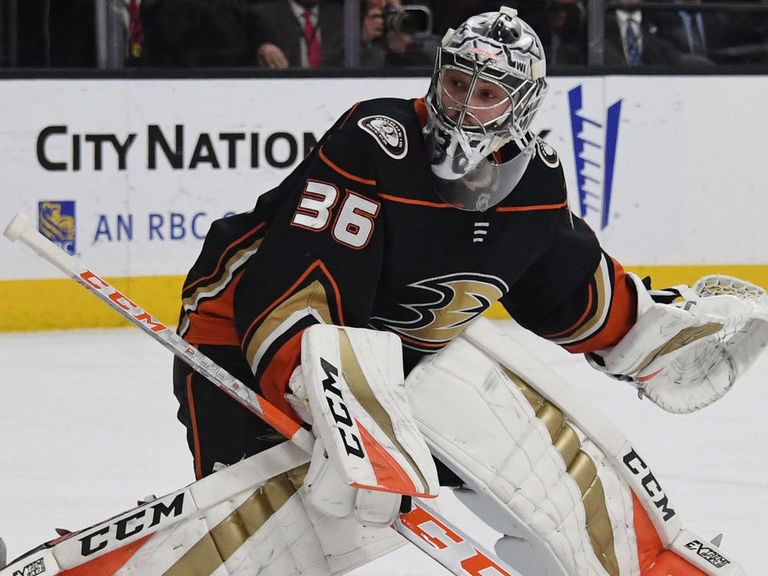 Gibson under evaluation after leaving game vs. Avalanche