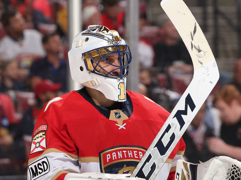 In 1,000th game, Luongo wins to keep Panthers' playoff hopes alive   theScore.com
