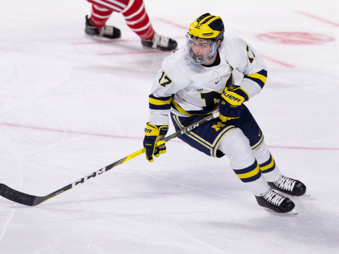 Stars sign Michigan product Calderone to 2-year deal