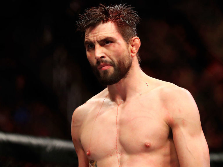 Carlos Condit to face Mickey Gall on Dec. 7