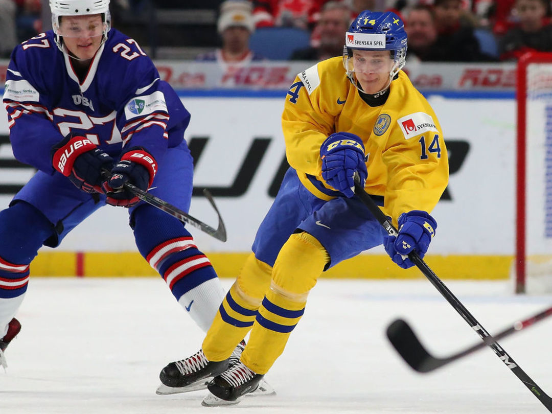 Canucks 1st-rounder Pettersson joins elite company during record-breaking SHL playoffs