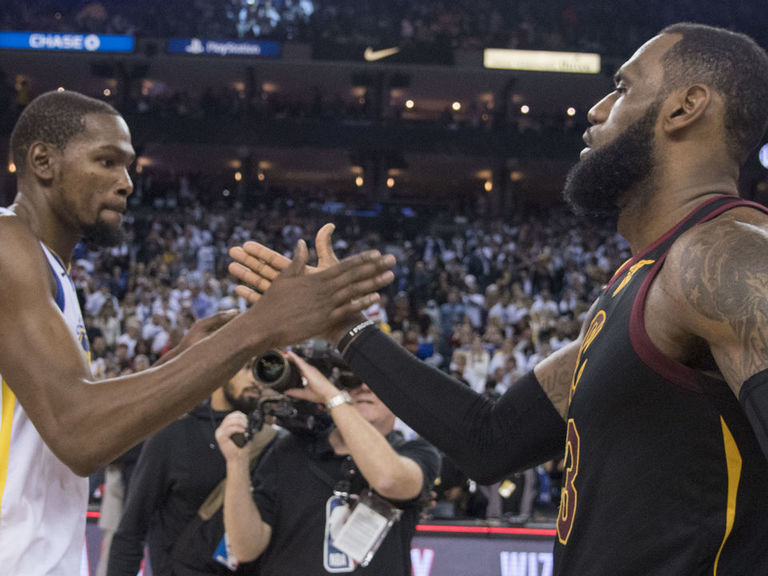 W768xh576_2017-12-25t225304z_1967714015_nocid_rtrmadp_3_nba-cleveland-cavaliers-at-golden-state-warriors