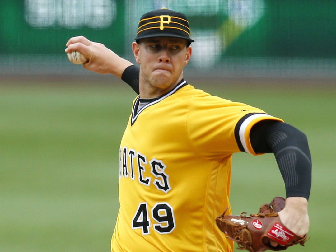 Pirates' Kingham loses perfect game in 7th inning of MLB debut