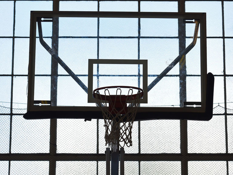 17-year-old basketball player dies during AAU game