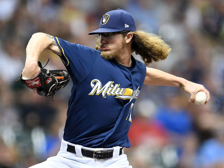 Report: Yankees most active pursuer of Brewers' Hader