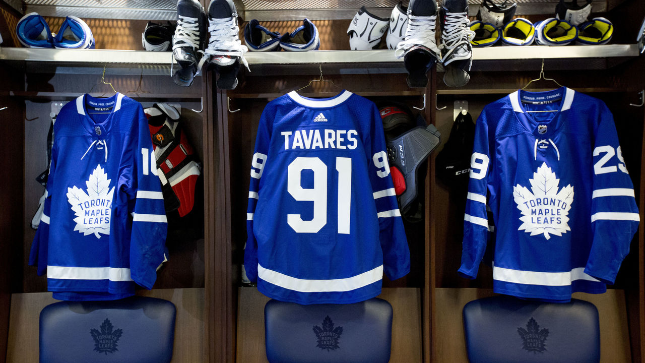 Maple Leafs tabbed as Stanley Cup favorites after Tavares signing ... 7dd3653c1