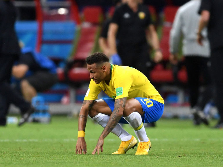 Neymar to miss 4 weeks after injuring hamstring with Brazil
