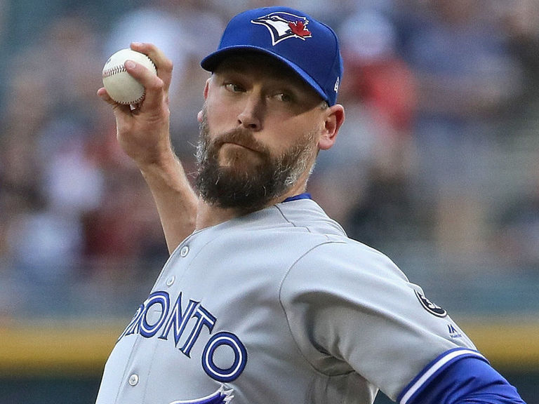 Blue Jays release Axford after elbow injury