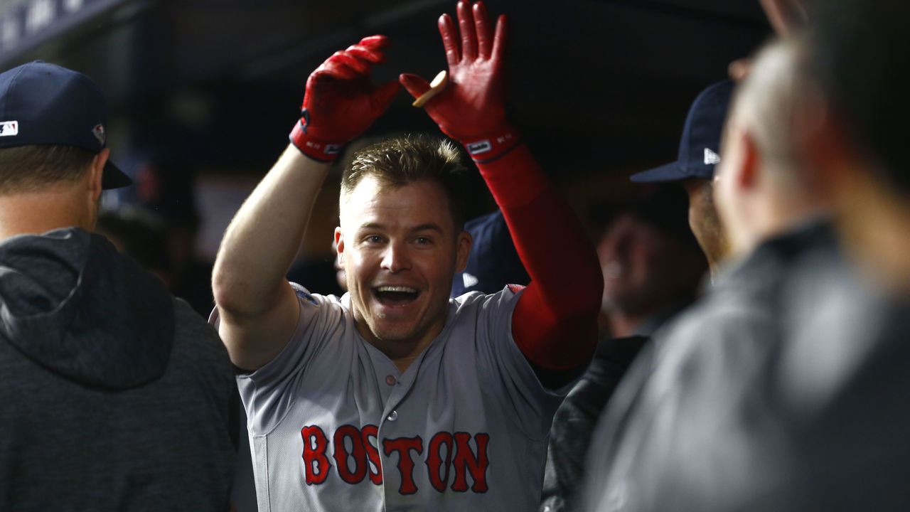 ALDS: Brock Holt, Red Sox take series lead vs. Yankees