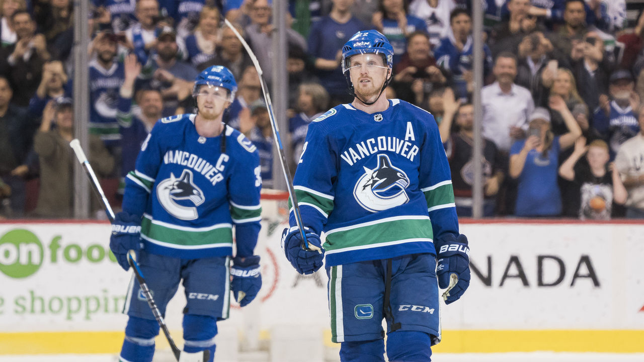 a84302df5 Sedins to have jerseys retired by Canucks next season | theScore.com