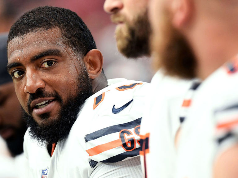 Bears' Bobby Massie says he dropped 12 pounds in loss to Dolphins
