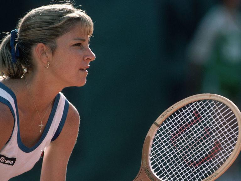 WTA dedicates No. 1 trophy to honor Chris Evert