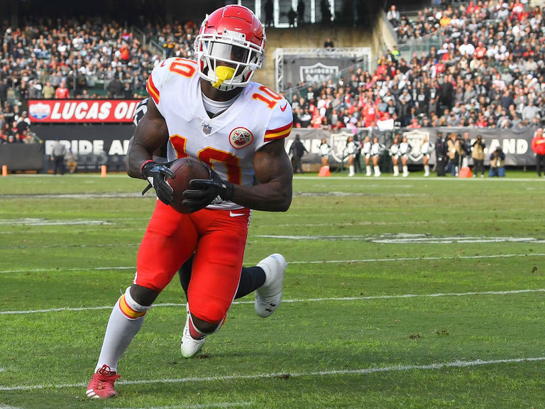 Chiefs' Hill says foot injury is 'bad'