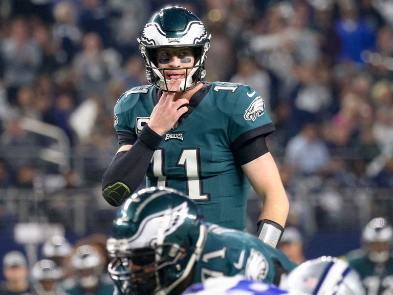 Pederson wants Wentz to be more 'vulnerable' with teammates