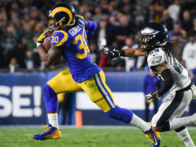 Todd Gurley sidelined with knee injury vs. Eagles