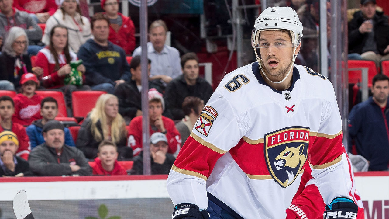 Panthers trade Petrovic to Oilers for Wideman 8fc869420
