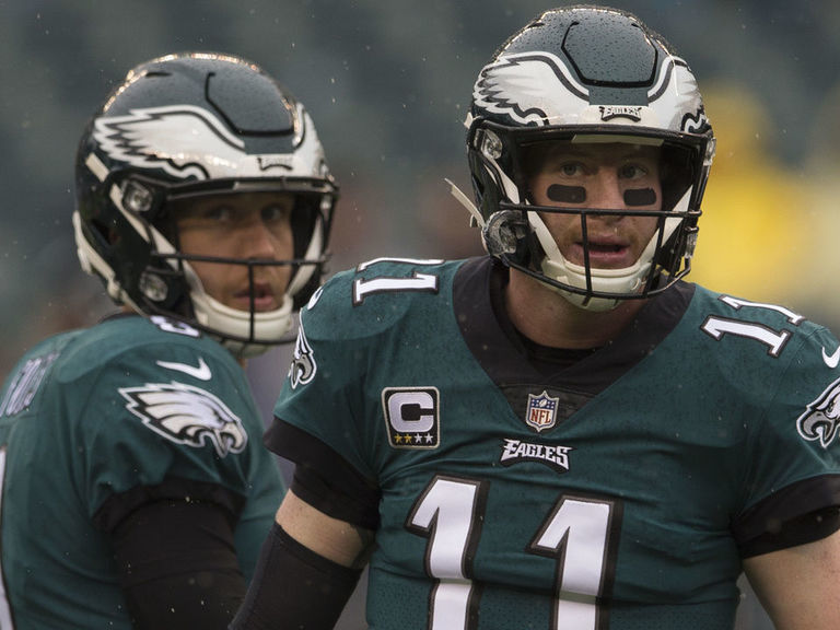Eagles stand behind Wentz, would like to keep Foles as backup