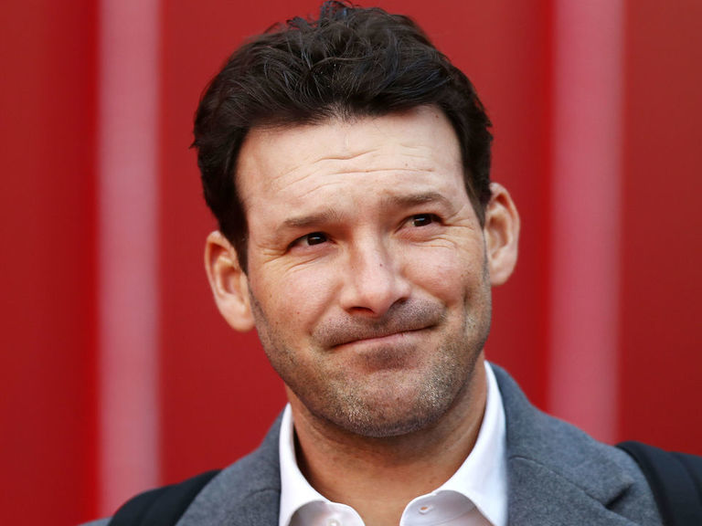 Report: CBS to offer Romo substantial raise before contract is up