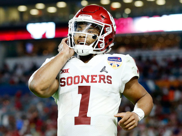 Lincoln Riley: Kyler Murray has 'kind of like a Barry Sanders effect'