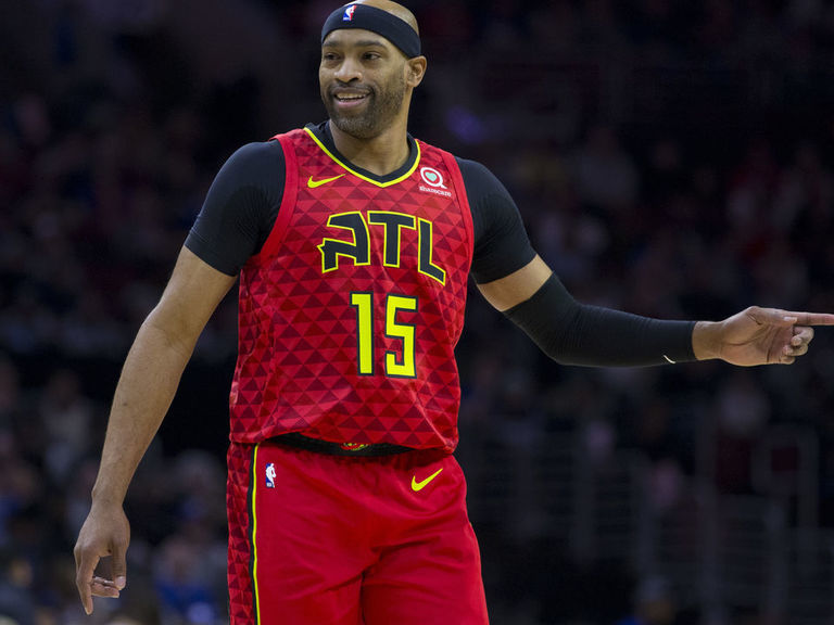 Report: Carter agrees to return to Hawks
