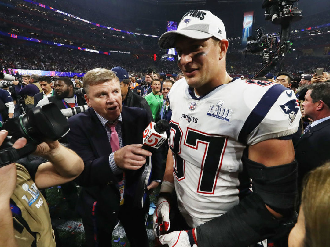 Gronkowski announces retirement after 9 seasons