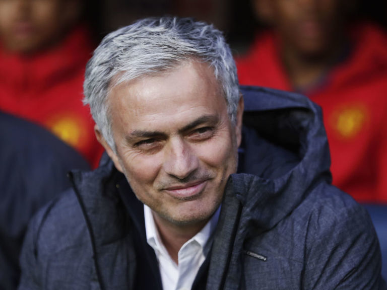 Report: Mourinho agrees to become new Spurs manager