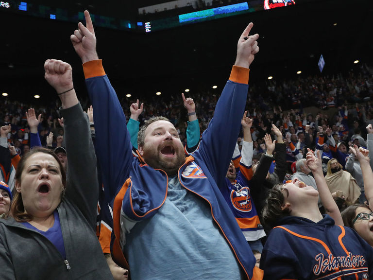 Islanders will play 1st-round playoff games at Coliseum if they qualify