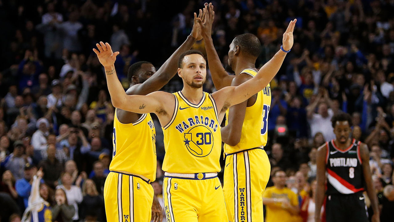 f89d799b945 Steph rushed to help resolve KD-Draymond rift