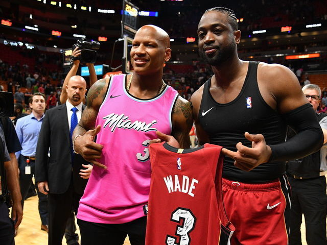 size 40 3bf0f 020bc Shazier gets wish of swapping jerseys with Dwyane Wade ...