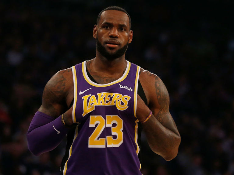 Report: LeBron having trouble recruiting stars for 'Space Jam 2'