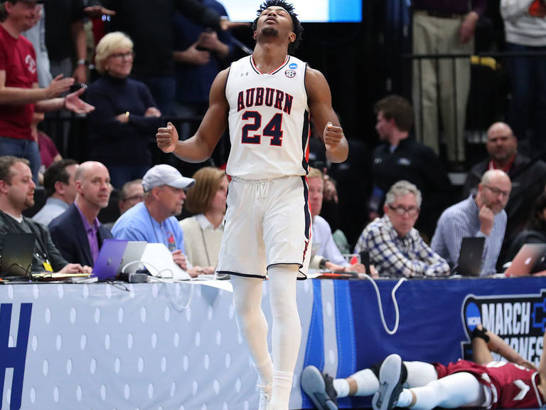 Auburn avoids epic collapse vs. New Mexico State in dying seconds