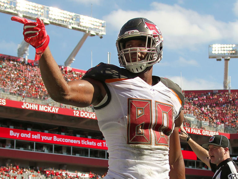Report: Bucs rebuff Patriots on O.J. Howard