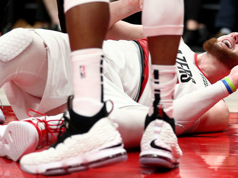 Trail Blazers' Nurkic suffers gruesome compound fracture of tibia and fibula