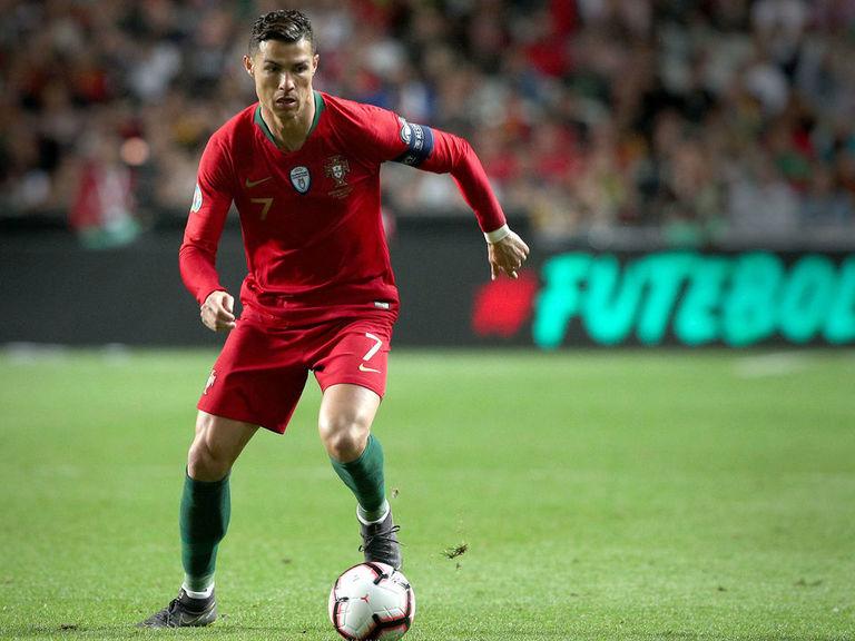 Juventus' Ronaldo diagnosed with 'minor' thigh injury